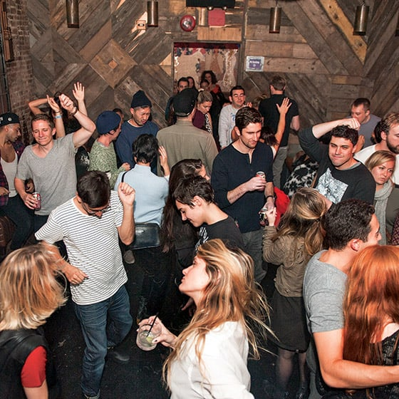 I went to a NY Social Network Stop Light Party... Here's what Happened