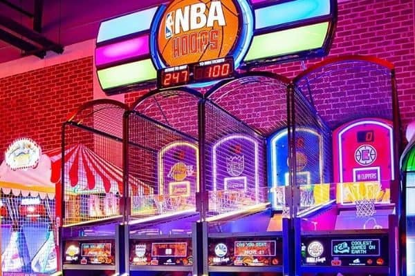 basketball hoops arcade