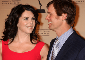 Hollywood power couple Peter Krause and Lauren Graham