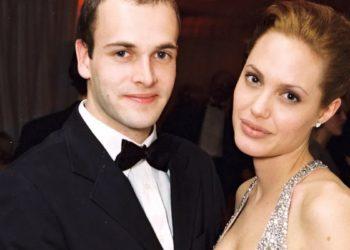 Angelina Jolie with her ex husband Jonny Lee Miller
